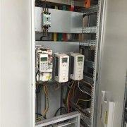 朗毅plc:自动化控制柜的功能及应用领域